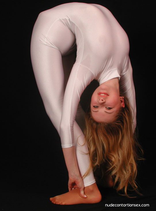 Nude contortionist